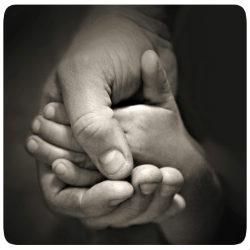 Hände ineinander